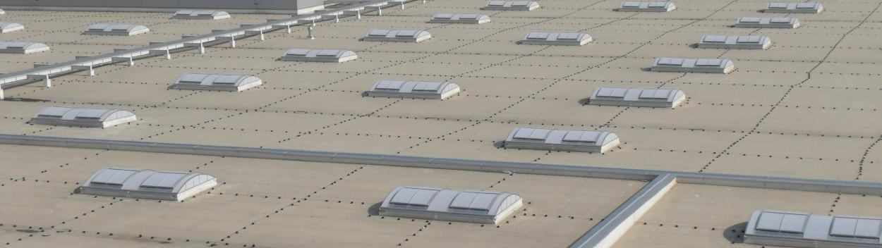 Industrial, Commercial & logistic Buildings : smoke ventilation solutions for aerodynamic performances