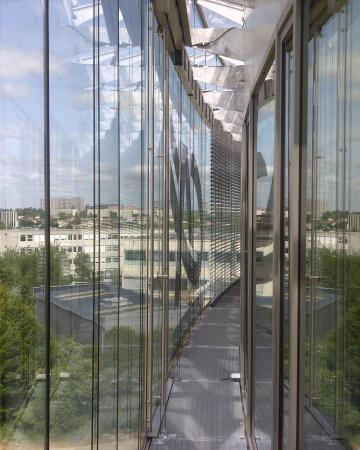 Adexsi - Offices and tertiary buildings : smoke ventilators solutions, either for roof or façade